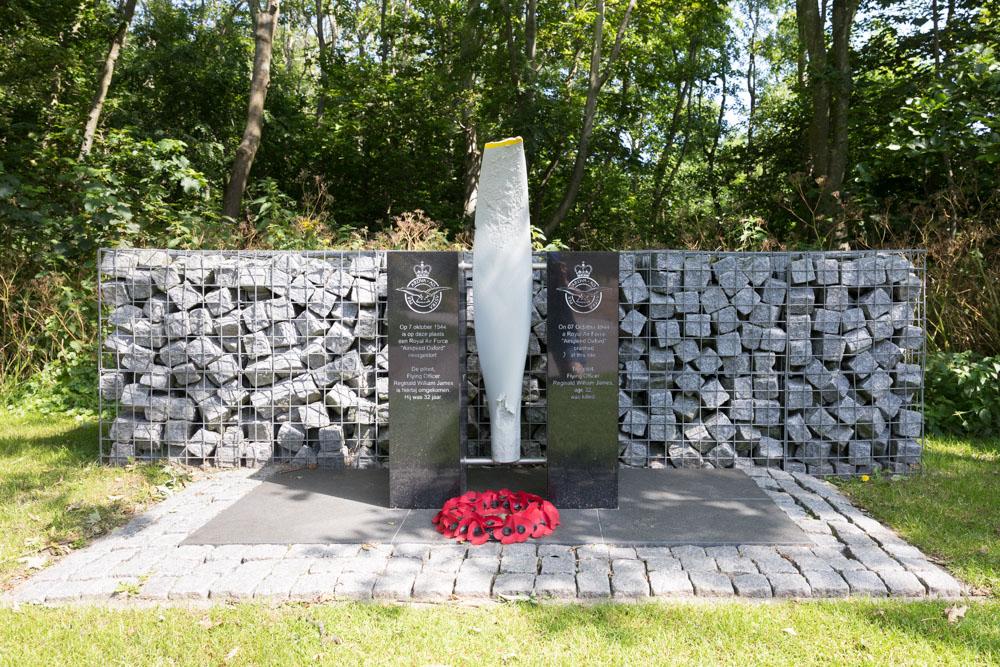 Monument Reginald William James (Airspeed AS.10 Oxford)