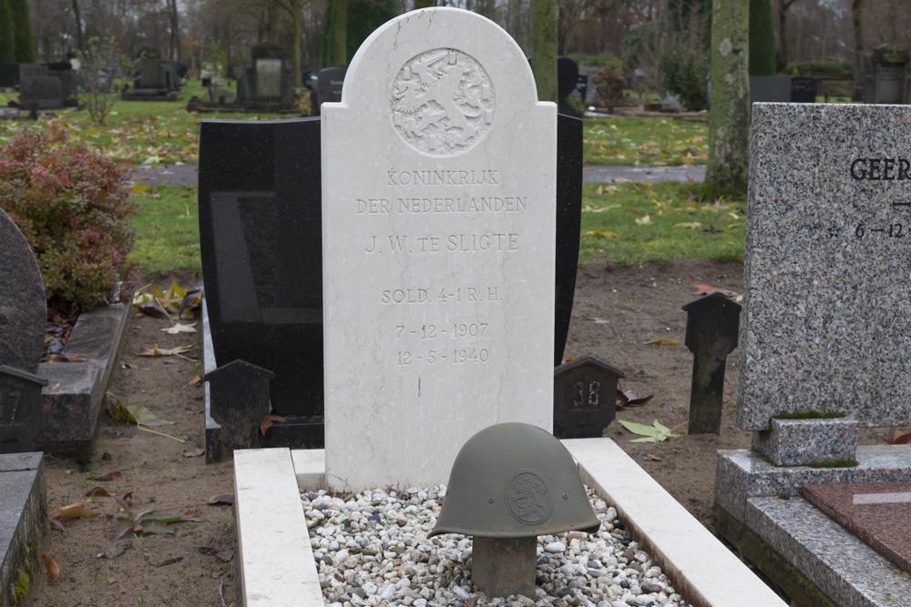 Nederlandse Oorlogsgraven Algemene Begraafplaats Winterswijk