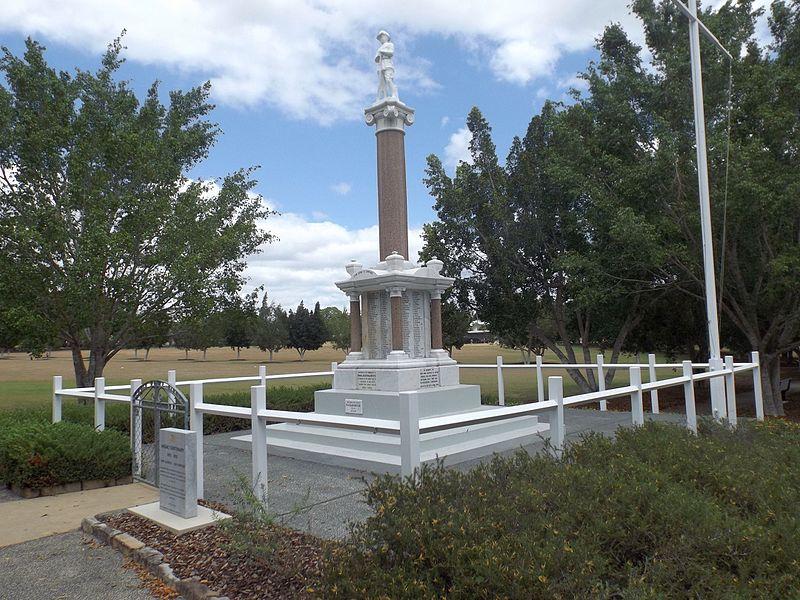 War Memorial Booval