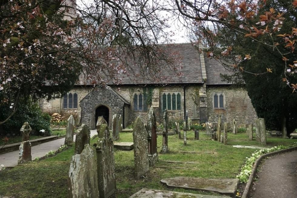 Commonwealth War Graves St. Cattwg Churchyard