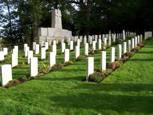 Oorlogsgraven van het Gemenebest St. Nicholas Churchyard