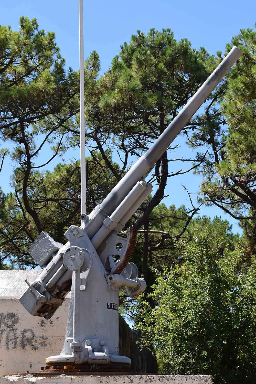 Naval Gun Plouharnel