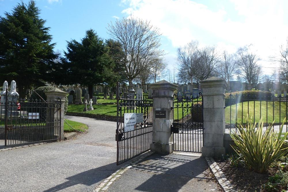 Commonwealth War Graves Grove Cemetery