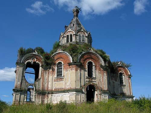 Granaatinslagen Kerk Gur'evo-Voskresenskoye