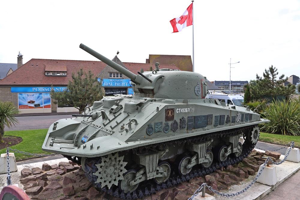 Sherman DD Tank Courseulles-sur-Mer