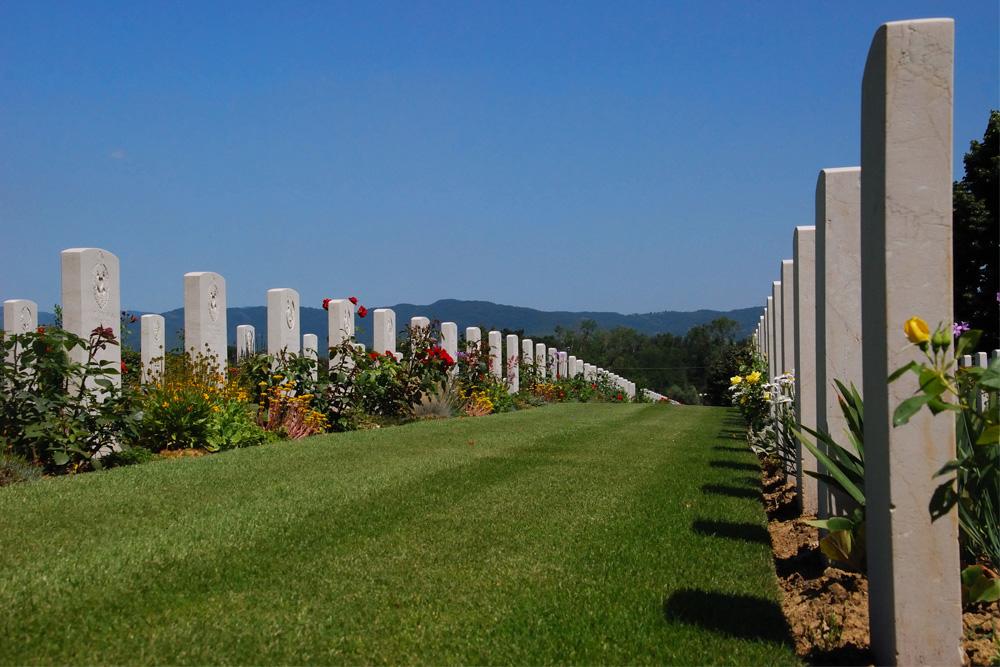 Commonwealth War Cemetery Arezzo