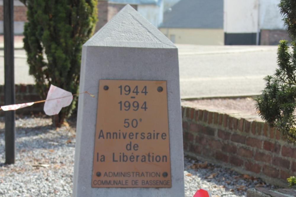 Gedenkzuil 50 jaar Bevrijding Emael