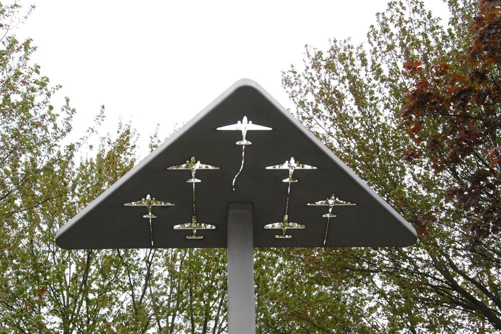 Monument Silent Wings Den Dungen