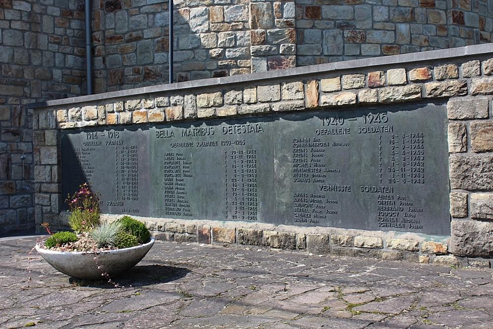 War Memorial Born