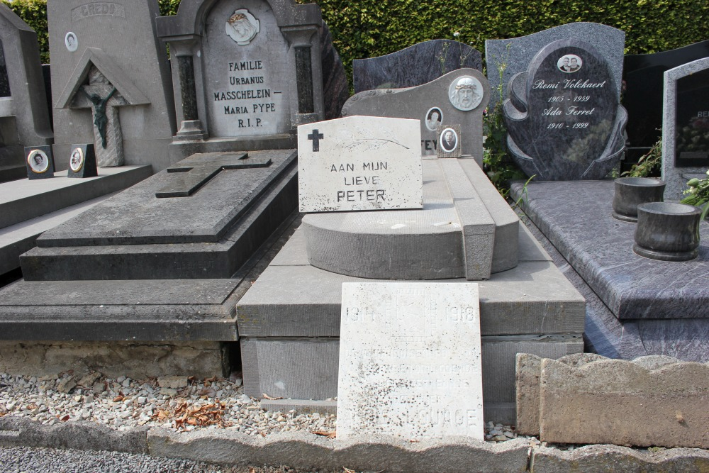 Veteran War Graves Dadizele