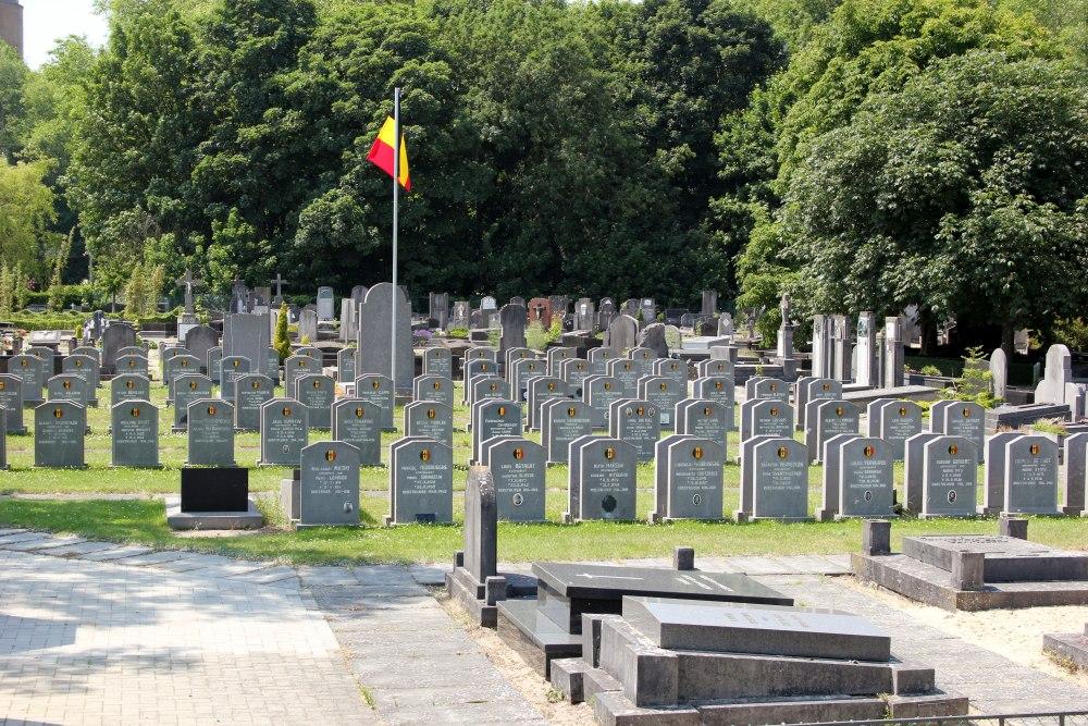 Veteran War Graves De Panne