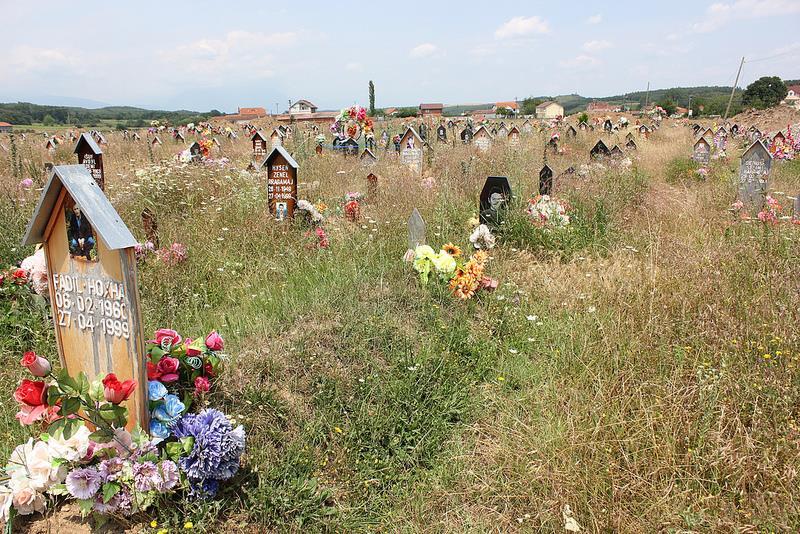 Begraafplaats Massamoord Mejë