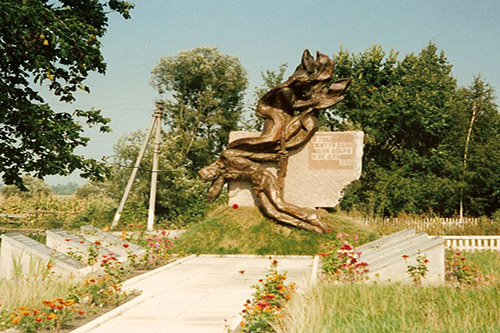 Soviet War Cemetery Hrynivtsi