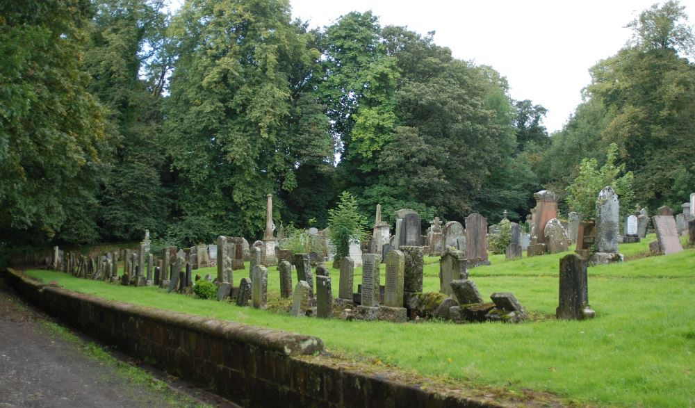Commonwealth War Graves Auchinleck Parish Churchyard