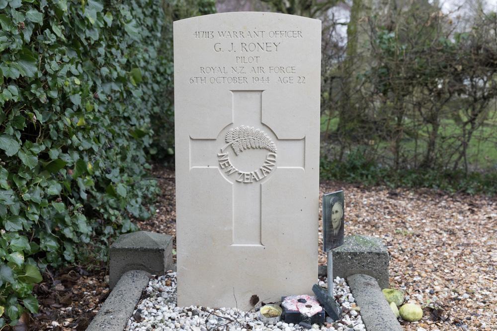Commonwealth War Grave Schoondijke
