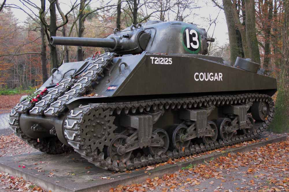 M4 105mm Sherman Tank Ede