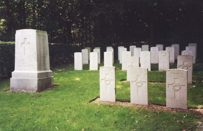 Oorlogsgraven van het Gemenebest All Saints Cemetery