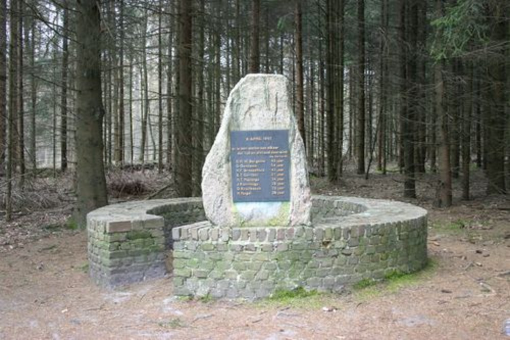 Memorial Execution Oosterduinen 8 April 1945