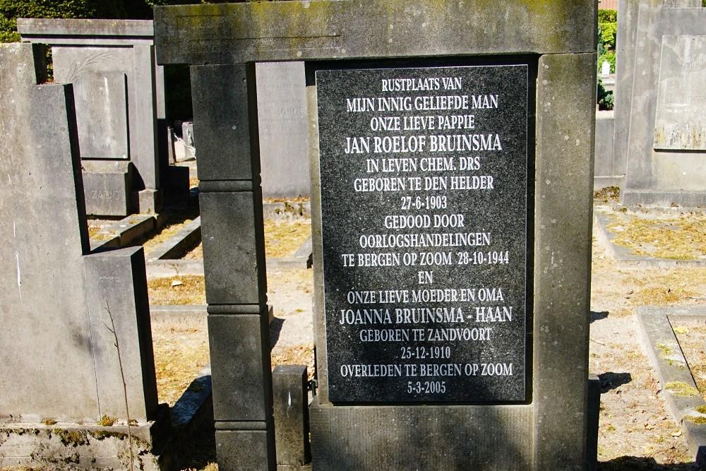 Nederlandse Oorlogsgraven Protestante Begraafplaats Bergen op Zoom