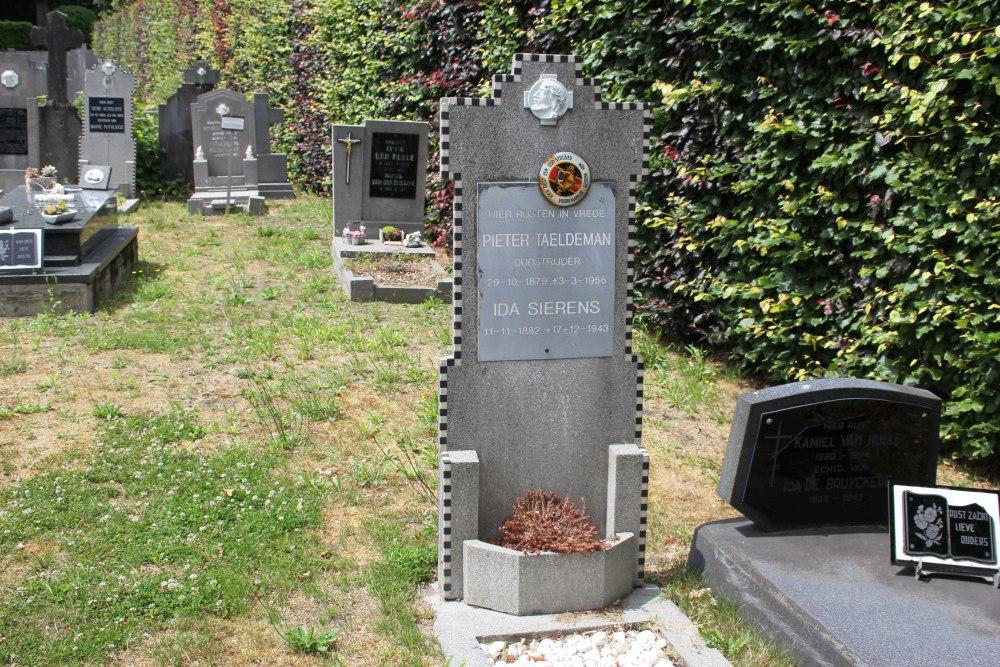 Veteran War Graves Maldegem Kleit