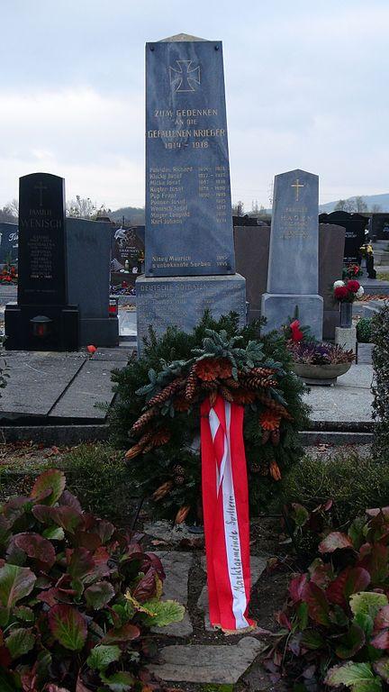 War Memorial and Graves Spillern