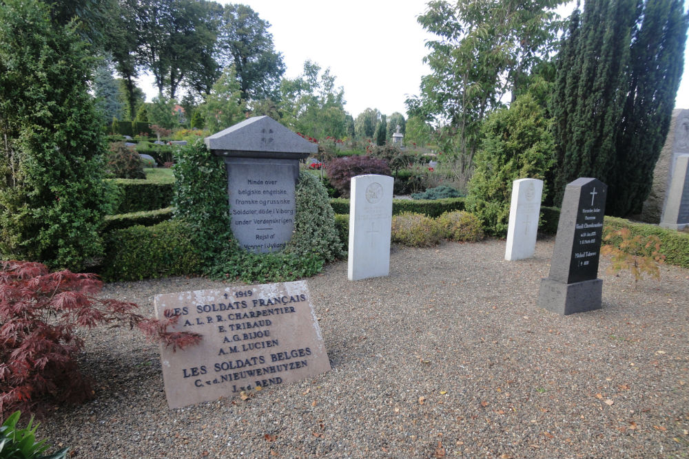 French-Belgian Mass Grave - Viborg - TracesOfWar.com
