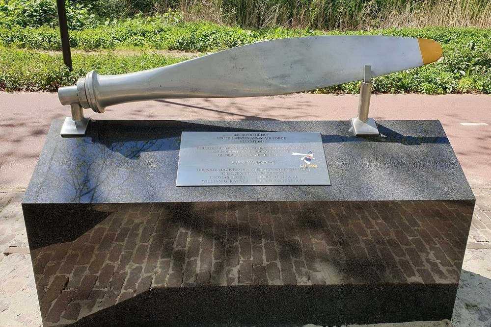 Memorial Crash Liberator Lil'Max