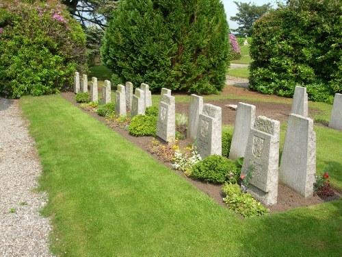 War Graves St. Duthus Cemetery