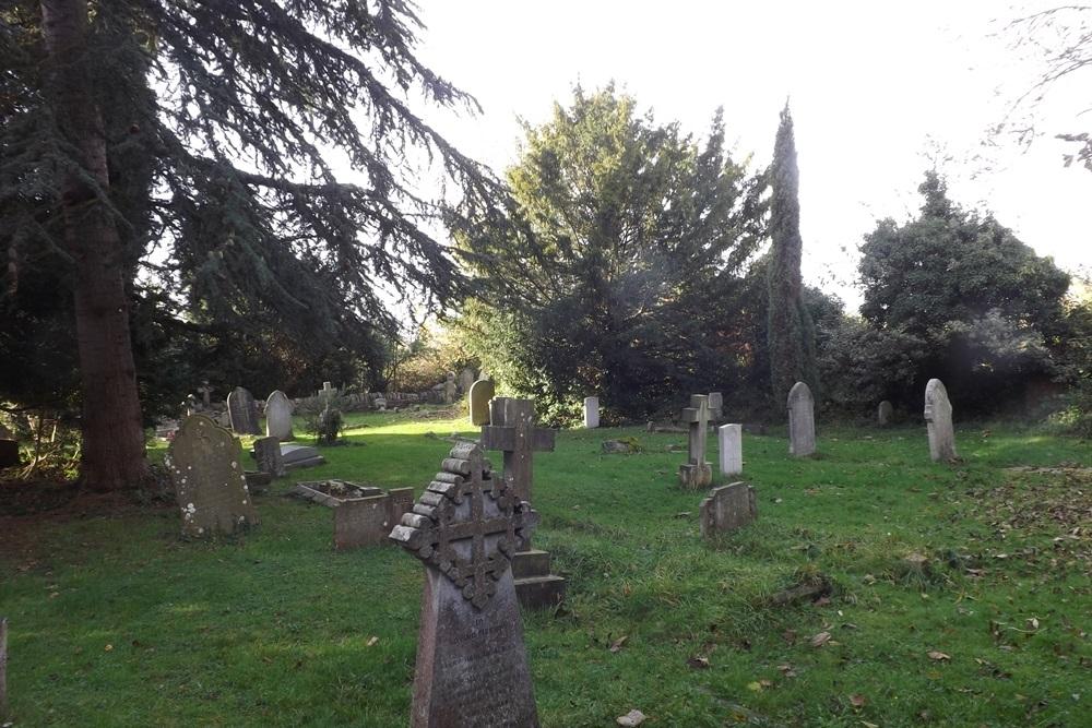 Commonwealth War Graves St. Peter Churchyard