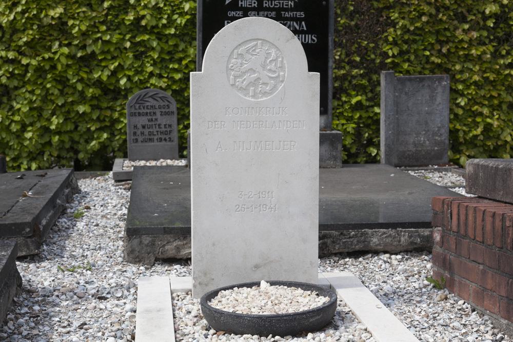 Nederlandse Oorlogsgraven Algemene Begraafplaats Vriezenveen