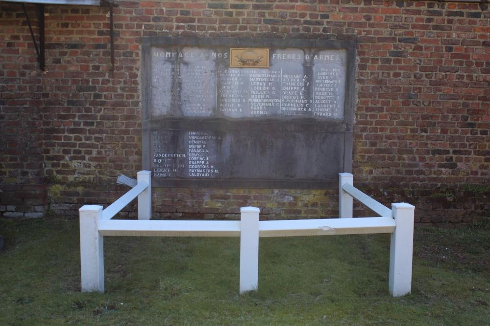 Oorlogsmonument Begraafplaats Hamme-Mille
