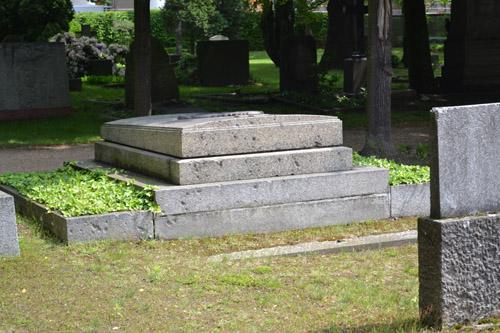 Bullet Impacts Grave Memorials Invalidenfriedhof