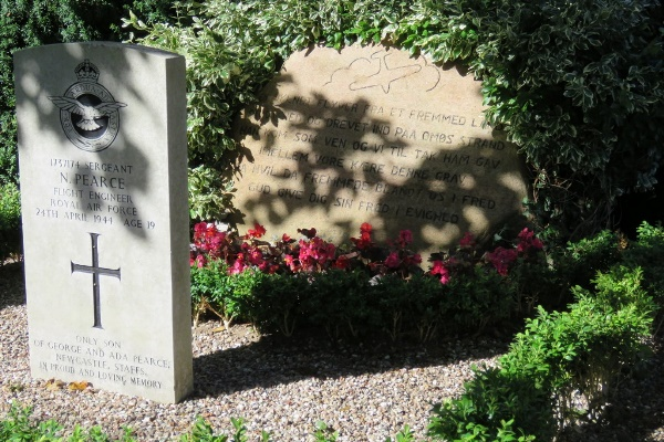 Commonwealth War Grave Omø By Churchyard
