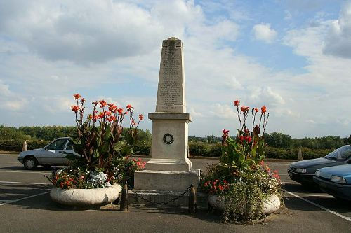 War Memorial Le Mesnil-le-Roi
