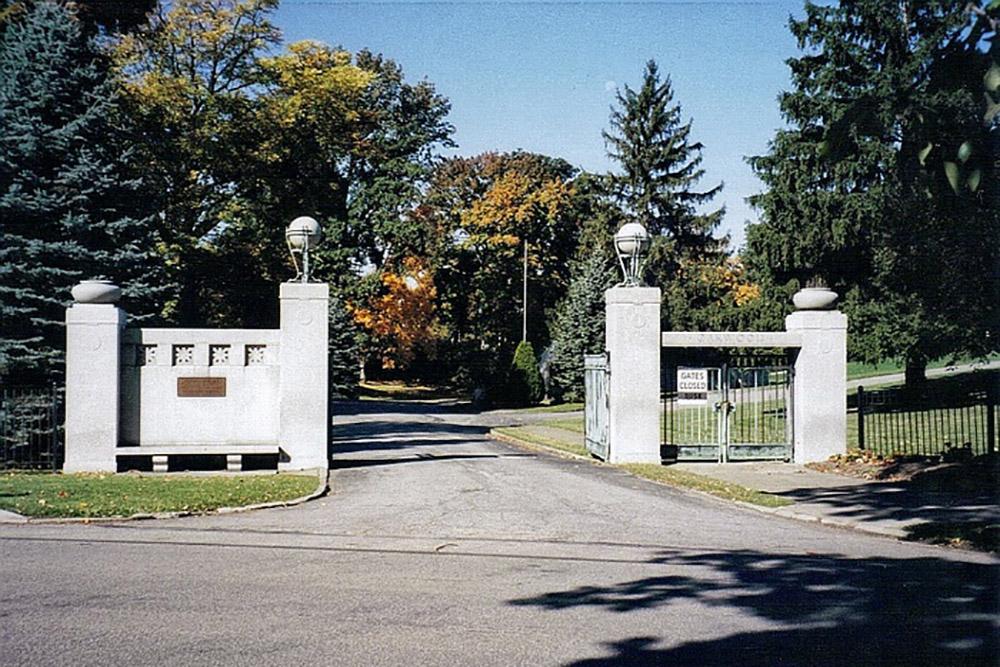 American War Grave Oakwood Cemetery