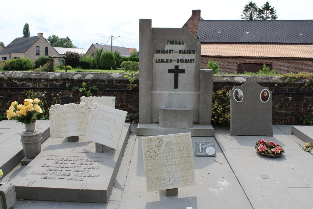 Veteran War Graves Tourpes