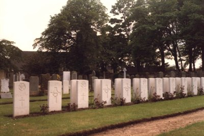 Commonwealth War Graves Crail Cemetery