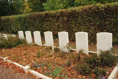 Commonwealth War Graves Achiet-le-Petit