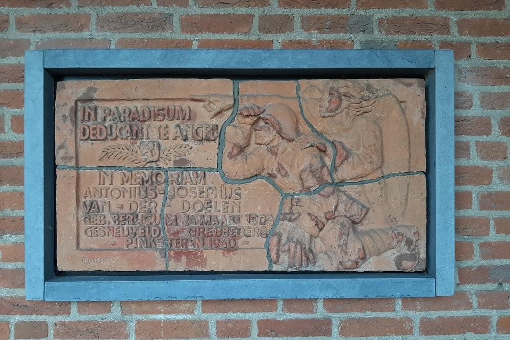 Monument Toon van der Doelen