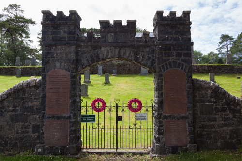 Commonwealth War Graves Acharacle Cemetery