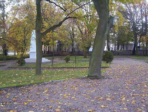 Sovjet Oorlogsbegraafplaats Chojnice