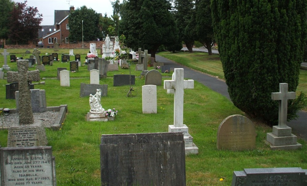 Commonwealth War Graves Market Drayton Cemetery