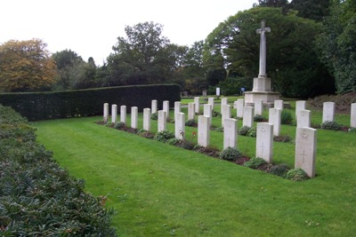 Commonwealth War Graves Mill Hill Cemetery