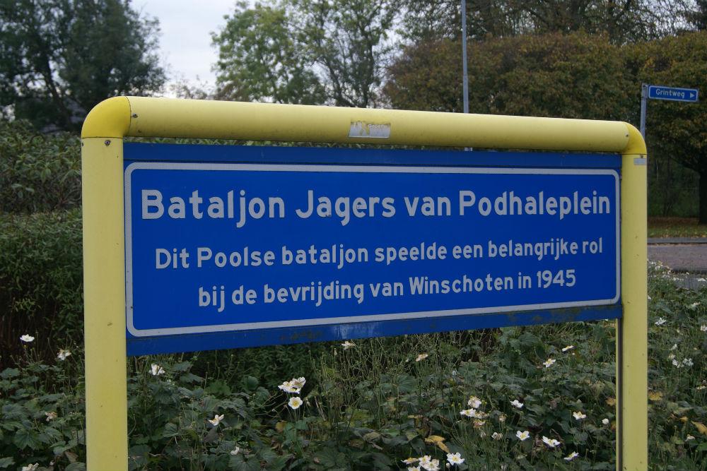 Herdenkingsbord Bataljon Jagers Podhaleplein Winschoten