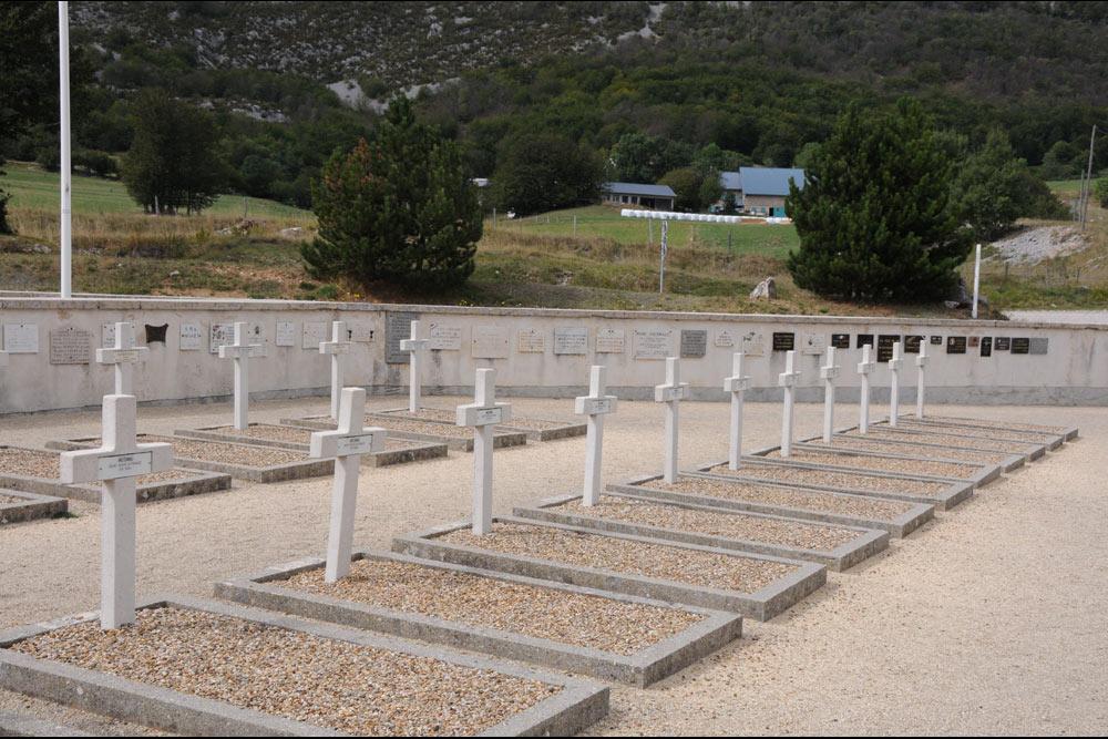Franse Oorlogsbegraafplaats Vassieux-en-Vercors