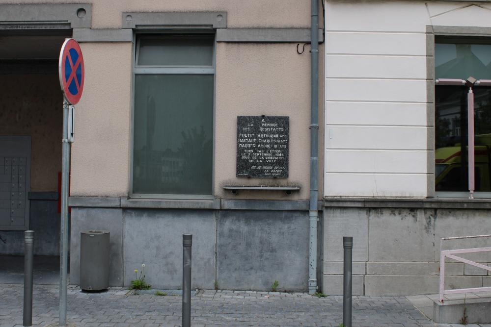 Gedenkplaten Postgebouw Péruwelz