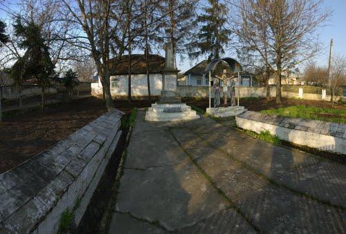 Jevreni Soviet War Cemetery