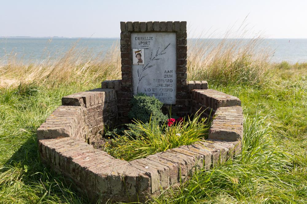 Lieutenant Robert Deprez Memorial (Handley Page Halifax)