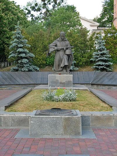 Massagraf Sovjet & Tsjechoslowaakse Soldaten Vasilkov
