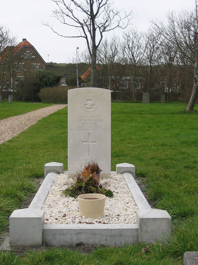 Commonwealth War Grave General Cemetery Zoutelande